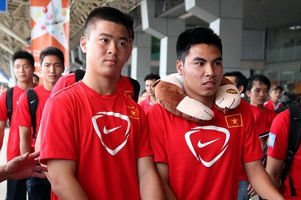 Trước sự nồng nhiệt của các fan hâm mộ, tiền vệ vừa sang Nhật thử việc đã quyết định... (Ảnh: IHay)