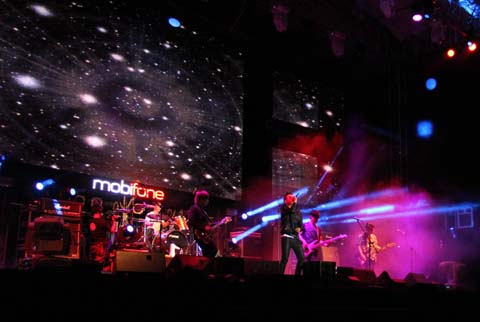 RockStorm, Đà Nẵng, Mobifone, siêu bão, đổ bộ