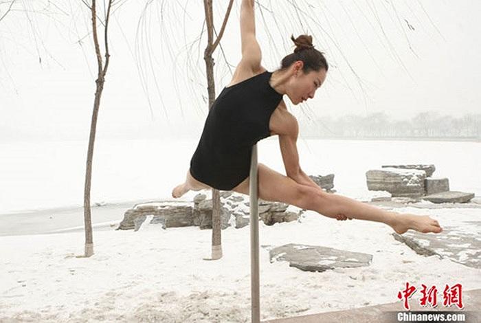 Không phải ai cũng có thể trở thành vận động viên múa cột chuyên nghiệp