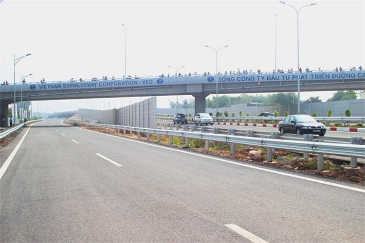 Cầu vượt qua đoạn Long Thành, Đồng Nai.