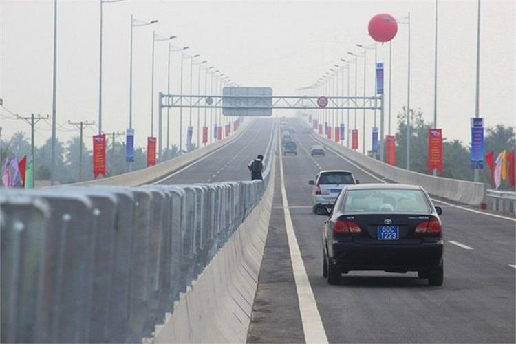Đoạn Vành đai 2 đến QL51 dài 20km có nhiều cây cầu dài và rất đẹp.