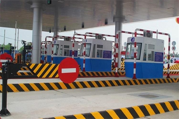 Đoạn cao tốc thu phí đối với ôtô khách dưới 12 chỗ, xe có tải trọng dưới 2 tấn, xe buýt vận tải công cộng 40.000 đồng/lượt; xe từ 12 - 30 chỗ, có tải trọng từ 2 - 6 tấn 60.000 đồng/lượt; xe từ 31 chỗ trở lên, có tải trọng từ 4 - 10 tấn là 80.000 đồng/lượt.