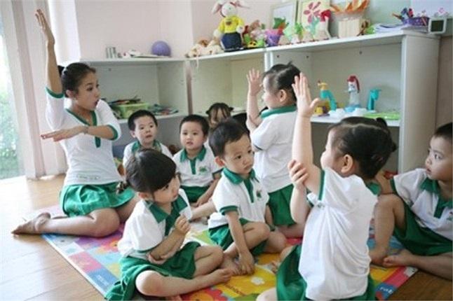 Trường mầm non quốc tế của Vân Hugo được chia thành 5 cấp bậc cho trẻ ở các lứa tuổi từ 1-6. Học phí của trường cũng khá 'chát' khi đặt lên bàn cân so sánh cùng các trường công lập trong khu vực Hà Nội.
