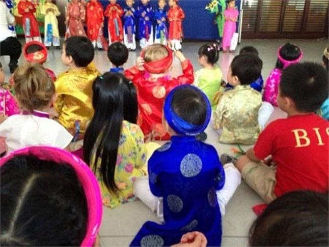 Ngôi trường của Subeo nhận được nhiều lời khen bởi phương pháp giảng dạy và môi trường có chất lượng.