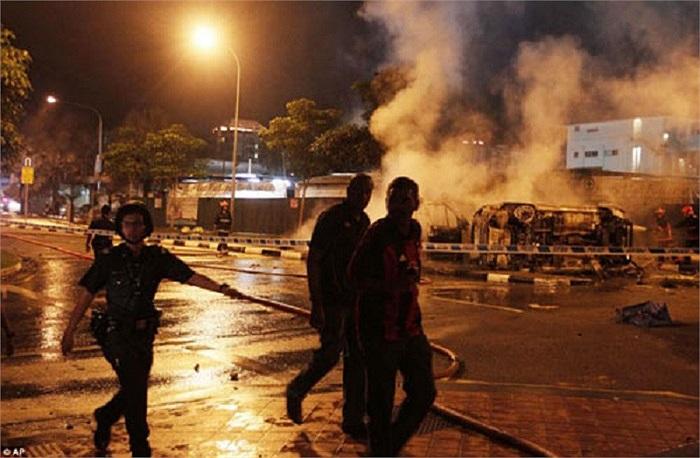 Cuối cùng, 27 người tham gia bạo động (chủ yếu là những người gốc Nam Á) đã bị bắt giữ