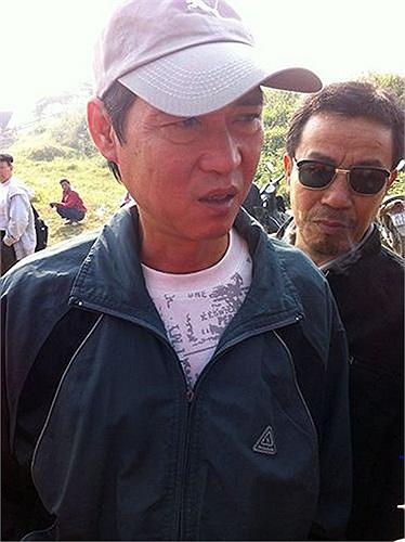 Tuy nhiên, đại diện gia đình nạn nhân, ông Phạm Đức Quang cho biết: 'Gia đình đã đọc được những thông tin đó trên báo chí, tuy nhiên, các nhà khoa học khác tuy có phản biện nhưng chưa ai đến giúp nạn nhân. Vì thế chúng tôi rất trân trọng và cám ơn ông Bằng'. (Nguyên Minh thực hiện).