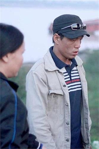Khánh đã khai nhận: Phát hiện trong túi xách của chị Huyền có chiếc điện thoại iPhone 5S màu đen, còn mới nên Khánh đã nảy lòng tham lấy trộm chiếc điện thoại này, hành vi đó không bị ai nhìn thấy.