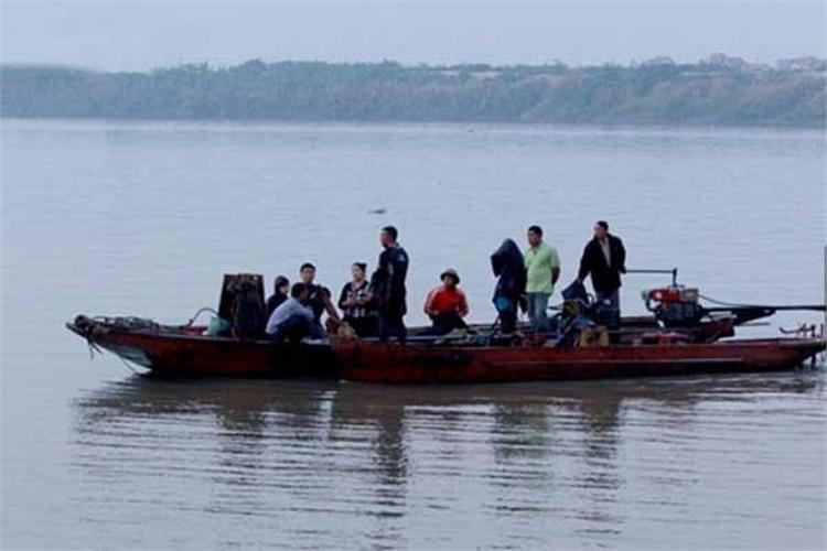 14h chiều 5/12, gia đình nạn nhân sẽ tiến hành lễ 49 ngày và đưa di ảnh của chị Lê Thị Thanh Huyền lên chùa