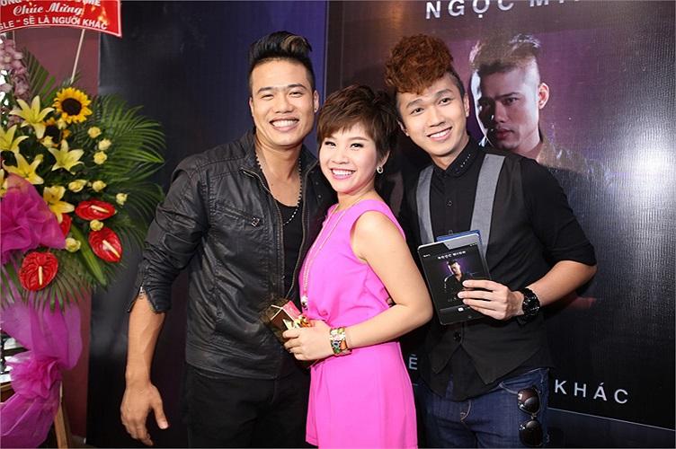 Thanh Trúc và Minh Xù, 2 cựu thí sinh Vietnam Idol chụp hình cùng người bạn Ngọc Minh.