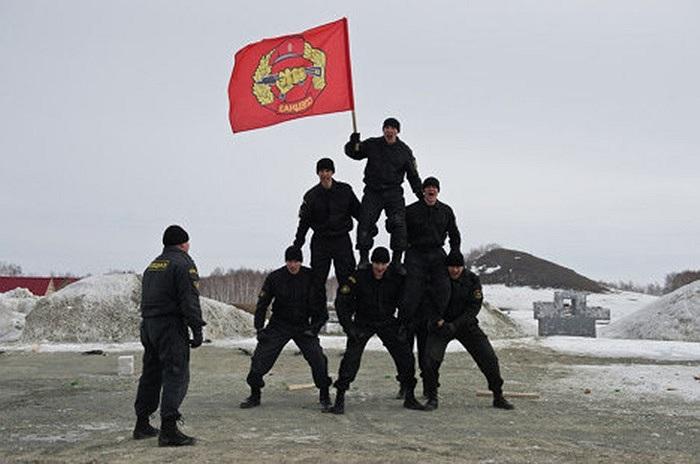 Cảnh sát đặc nhiệm Nga phô diễn kỹ năng tác chiến tại trung tâm đào tạo Gorny ở Serbia