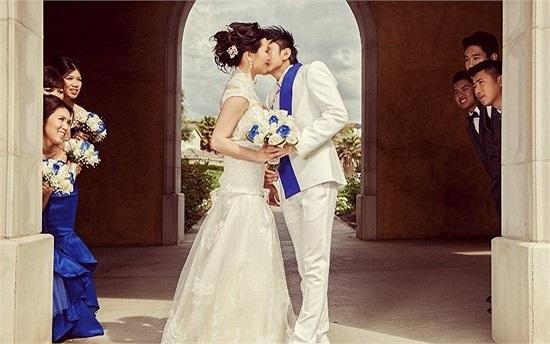 Hôn lễ của Đan Trường và cô dâu Việt kiều Thủy Tiên là một trong những sự kiện giải trí ồn ào nhất năm 2013.