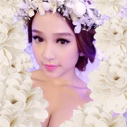 Hôn lễ của Huyền Baby - hot girl khá đình đám ở Hà Nội - lại là đám cưới kín nhất Vbiz năm 2013.
