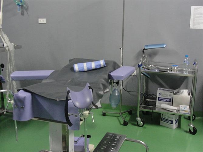 Còn đây là chỗ chị Dung, nằm để chọc trứng và đưa phôi vào tử cung.