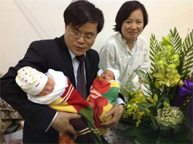 Và cuối cùng, niềm hạnh phúc đã đến, chị Dung có 2 con trai với người chồng quá cố.