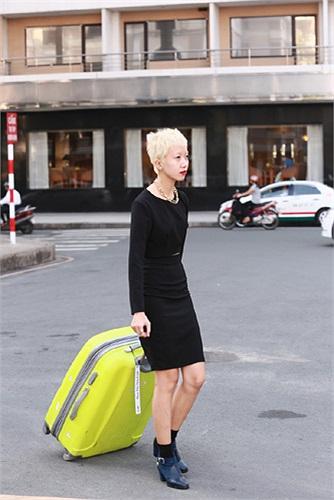 Phan Linh là nữ thí sinh gây chú ý nhất bởi phong cách thời trang và mái tóc nổi bật.