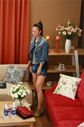 Kim Thoa cá tính với jeans