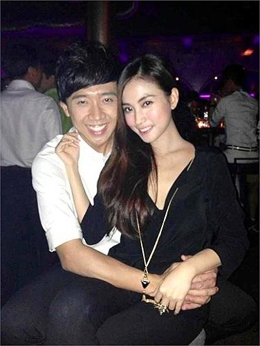 Mối quan hệ của 2 người chỉ được phát hiện và bị theo dõi qua sự xuất hiện của Trấn Thành và Mai Hộ trong các bữa tiệc hoặc event thân mật.