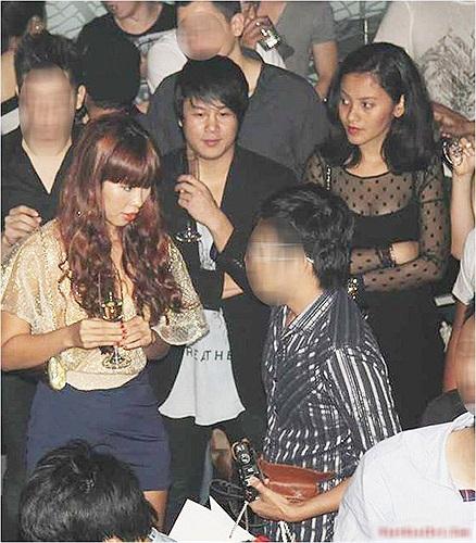 Thanh Bùi và bạn gái Thanh Bùi là một trong những nghệ sĩ kín tiếng nhất showbiz.