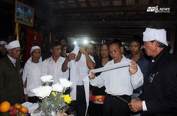 Ông Võ Tài Em, đại diện dòng tộc nhà Đại tướng cho biết, gia đình đã phát 65 khăn tang cho con cháu trong dòng tộc.