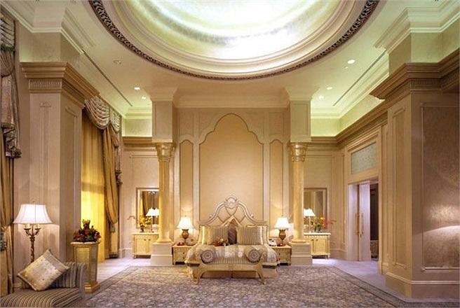 Phòng Palace Suites, khách sạn Emirates Palace, Abu Dhabi, Các tiểu vương quốc Arab thống nhất (UAE)    Giá phòng: 4.000 USD/đêm    Trong khách sạn Emirates Palace có tổng cộng 48 phòng Palace Suite. Mỗi phòng đều có trần cao, tạo cảm giác về sự đặc