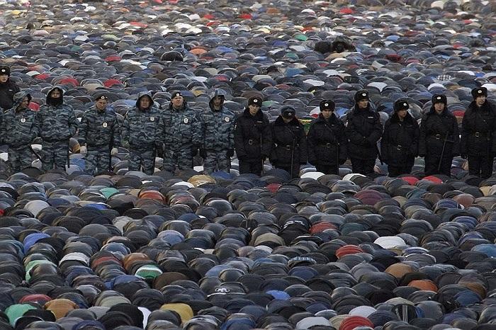 Quang cảnh một lễ cầu nguyện tại Matxcơva ngày 15/10