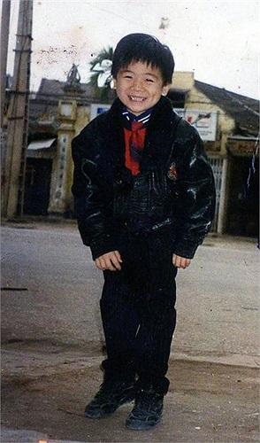 Hình ảnh ngày còn bé của Đỗ Quang Vinh- con trai trưởng của Chủ tịch ngân hàng SHB và Tập đoàn T&T, Đỗ Quang Hiển.