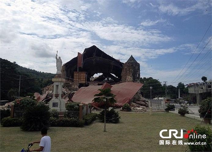 Cảnh hoang tàn ở một số khu vực miền trung Philippines