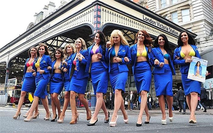 Hãng hàng không giá rẻ lớn nhất châu Âu Ryanair thuê các người mẫu trẻ trong chiến dịch quảng cáo cho năm 2014