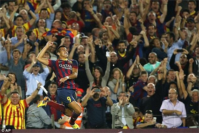 Phút 19, Neymar mở tỷ số cho Barca.