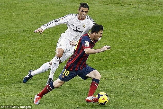 Đêm qua, hai ngôi sao lớn khác là Messi và Ronaldo tạm lặng để nhường sự chú ý vào cặp Neymar - Bale.