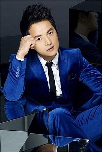 Nam tiến lập nghiệp, Đăng Khôi không chỉ theo đuổi con đường ca hát mà còn đầu tư kinh doanh. Theo một số nguồn tin, Đăng Khôi là một trong những người đầu tiên khai phá dịch vụ nhạc chuông, nhạc chờ... trong thị trường âm nhạc Việt Nam.