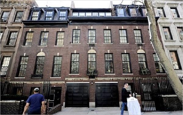 Căn nhà hiện tại Madonna đang an cư là căn biệt thự siêu sang ở Manhattan - New York được 'cô nàng vật chất' tậu cách đây 1 năm với giá lên tới 40 triệu USD.