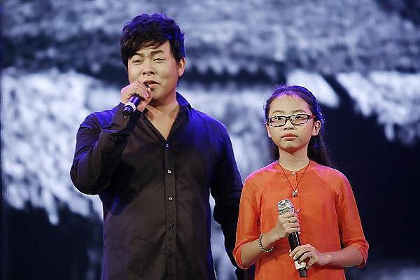 Liveshow của Quang Lê, nhưng sự xuất hiện với mật độ cao và dùng Phương Mỹ Chi như một điểm nhấn khiến nhiều người cho rằng, tên tuổi của cô bé đang được dùng để kéo khán giả đến với liveshow.