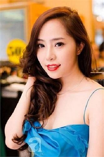 Quỳnh Nga xinh đẹp, quyến rũ.