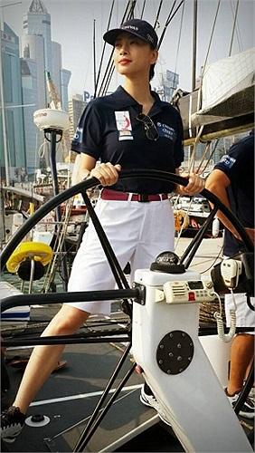 Ngô Thanh Vân bắt đầu chuyến đi thú vị trên biển.