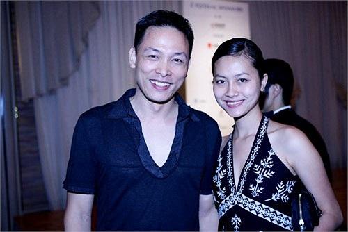 Năm 17 tuổi, Hải Yến gặp Quang Hải, khi cả hai cùng tham gia phim Mùa hè chiều thẳng đứng. Họ chính thức yêu và sống chung nhau với nhau từ đó. Phải đến bốn năm sau, cặp đôi này mới làm lễ thành hôn.
