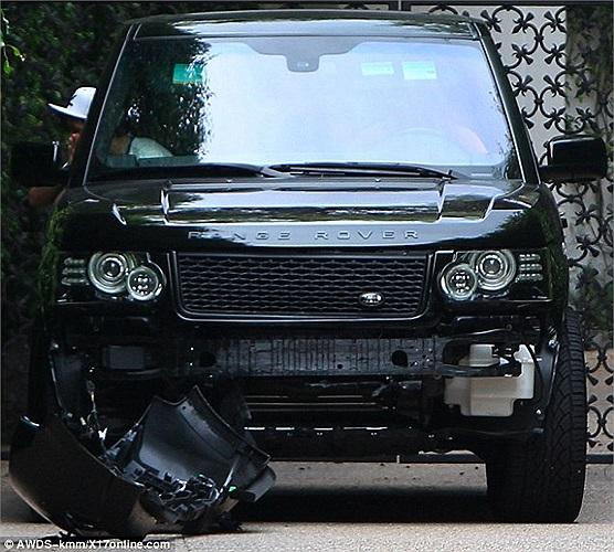 Cả hai chiếc xe đều bị tổn thất nặng nề. David Beckham sau đó lái xe quay lại nhà, chờ cảnh sát tới giải quyết. Chiếc xe này ngôi sao người Anh mua vào năm  2010.