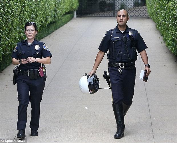 Cảnh sát nhanh chóng tiếp cận hiện trường