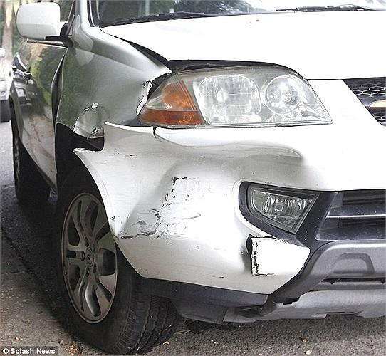Rất may không có ai bị thương trong vụ tai nạn này. Phần bồi thường có lẽ cũng không quá lớn