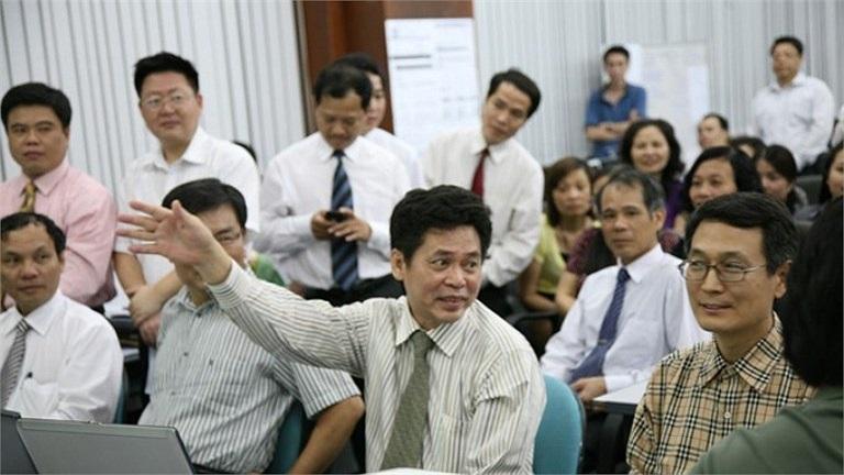 Cụ thể, năm 2007 dự án Luxfashion xây dựng nhà máy may, do Công ty liên doanh Lifepro Vietnam làm chủ đầu tư, được khởi công xây dựng tại Khu công nghiệp Gián Khẩu, tỉnh Ninh Bình với tổng vốn đầu tư 197 triệu USD.