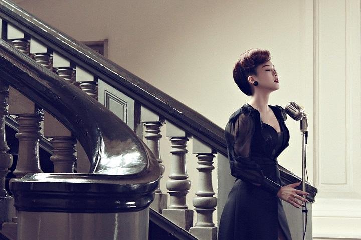 Ngoài ra Đinh Hương đang có kế hoạch cho một ca khúc khá đặc biệt giành riêng cho giới trẻ với nhiều sự khích lệ.