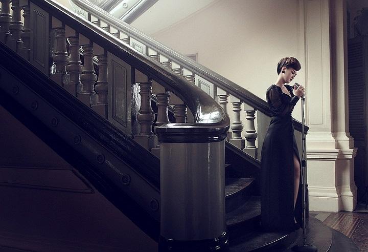 Những hình ảnh mới nhất của Đinh Hương cho thấy cô ngày càng hoàn thiện hơn về phong cách thời trang.