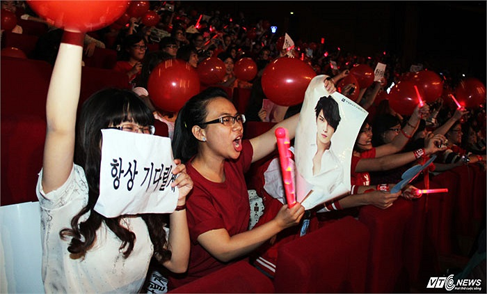 Niềm sung sướng của các fan JYJ