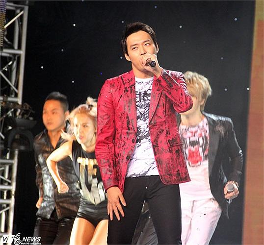 JYJ là đại sự của Asiad 2014. Bài hát chính thức của Á vận hội, Only One, do nhóm thể hiện đã thu hút hàng triệu lượt xem trên Youtube