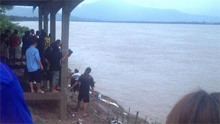 Những bức ảnh hiện trường chủ yếu do người dân chụp lại và đăng trên facebook. Ảnh: Heraldsun.com.au