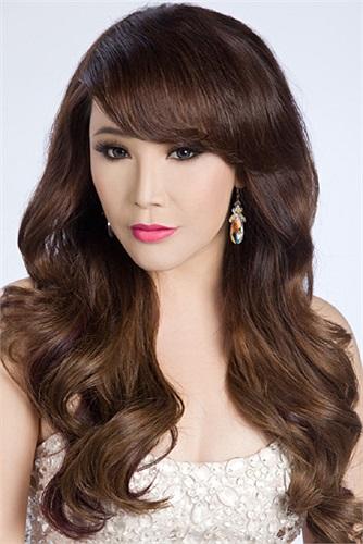 Sau khi ra mắt album Tĩnh lặng, Hồ Quỳnh Hương chủ yếu tập trung vào công việc kinh doanh. Thỉnh thoảng cô mới đi biểu diễn ở một số event lớn tại TP.HCM, Hà Nội và các tỉnh, thành khác.
