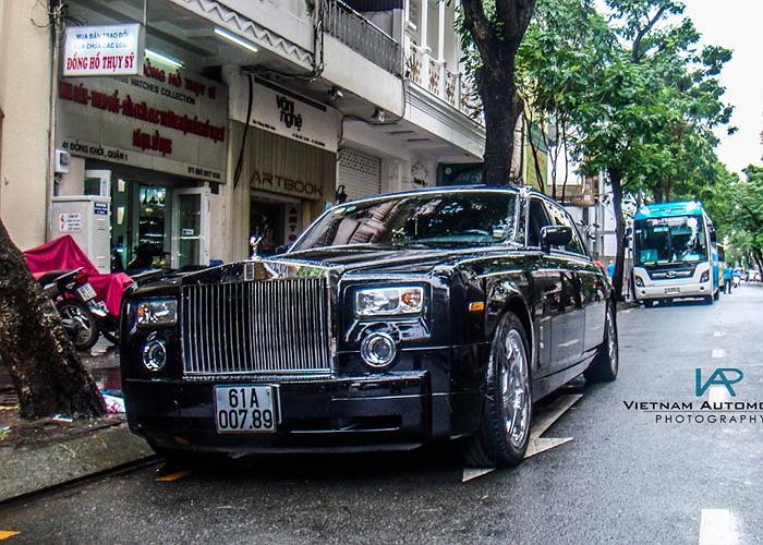 Từ một vài siêu xe hay xe siêu sang mang thương hiệu Ferrari, Rolls-Royce hay Maybach, lượng ảnh về các mẫu xe hàng khủng tại Việt Nam được cập nhật trên chuyên  trang về siêu xe Autogespot ngày càng nhiều và đa dạng về thương hiệu, phiên bản.