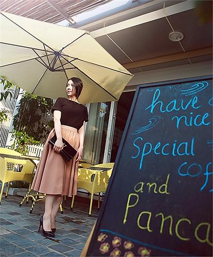 Sở hữu gương mặt dịu dàng, thanh thoát cùng chiều cao khá tốt 1m65, Bella Nguyễn đã nhanh chóng được chú ý trong làng teen model Hà thành.