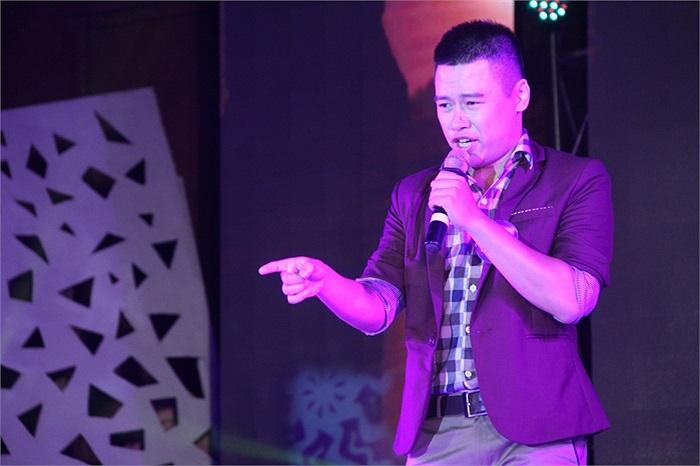 Vũ Ngọc Phú lựa chọn bài hát 'Đông' đã khoe được chất giọng tình cảm, xử lý âm thanh tốt và tự tin trình diễn trên sân khấu