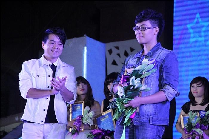 Trần Trung Hiếu giành giải Ba